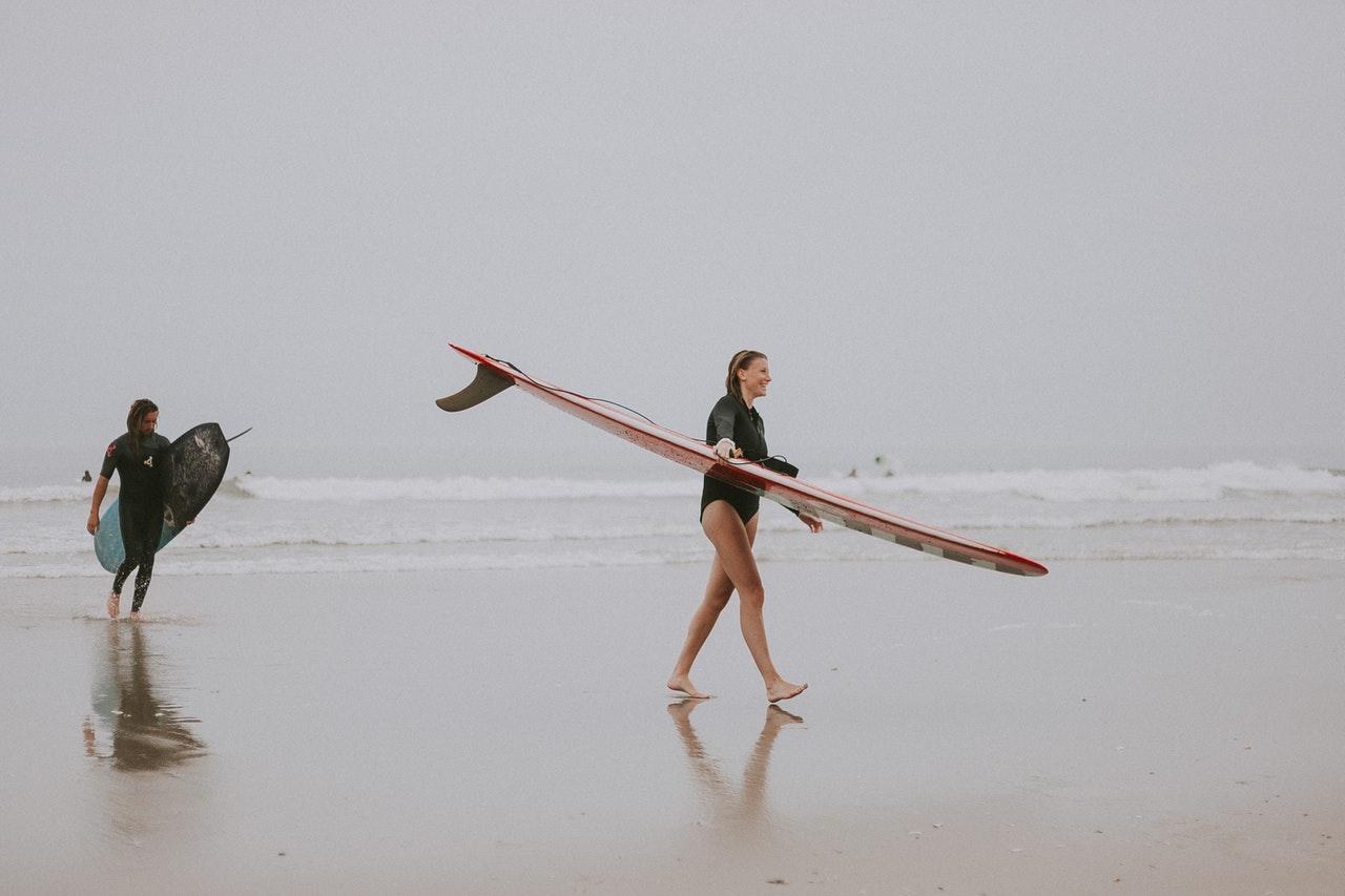 Como Trabalhar Da Praia (Foto de Ava Motive no Pexels)